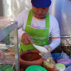 Green papaya salad vendor