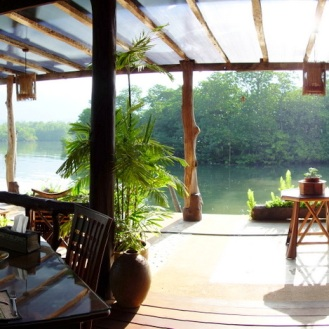 Breakfast at Mangrove Hideaway