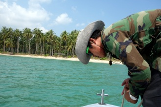 Sam getting ready to drop anchor on Wai Chaek beach