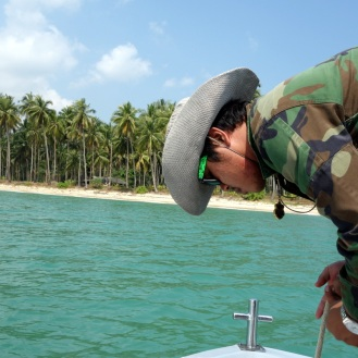 Sam getting ready to drop anchor on Wai Chaek beach