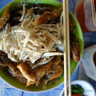 Vermicelli with Spring Roll and Chicken