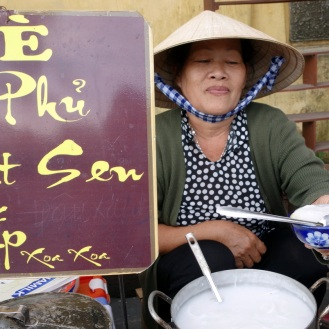 Che lady (vietnamese deserts)