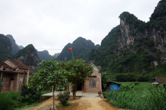 Villages in the national park on the road to Paradise Cave
