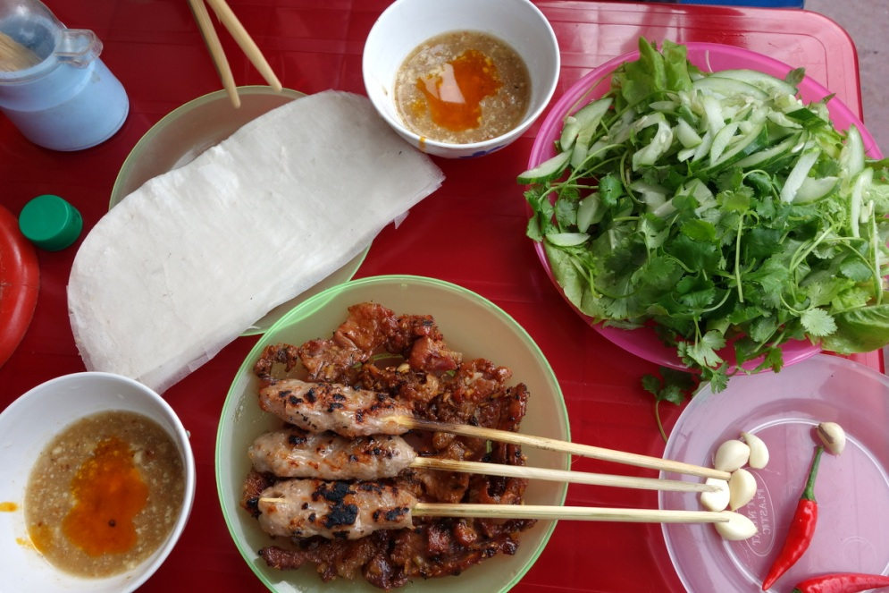 The only saving grace of Dong Hoi for us that day...tasty pork spring rolls