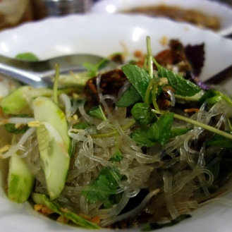 Fried eel noodles