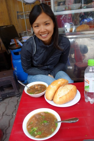 Banh mi sot vang. French beef stew with baguette.