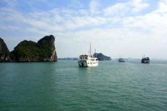 Sailing into the bay