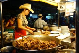 Khao Kha Moo lady at Prathu Chang Puak night market