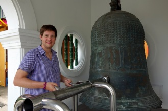 Bell in the temple. Exhibit A that Jesse needs a haricut.