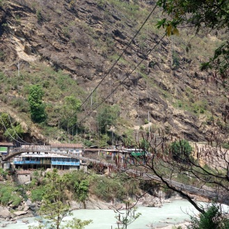 Crossing back over the Marsyangdi River.
